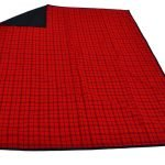red_and_black_picnic_blanket_with_carry_handle_3