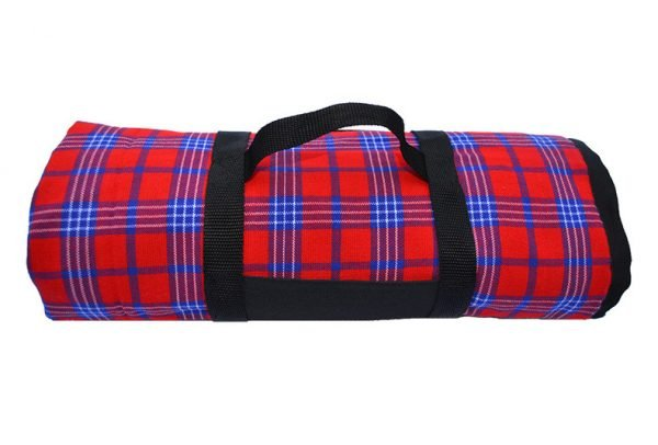 red_and_blue_picnic_blanket_with_carry_handle