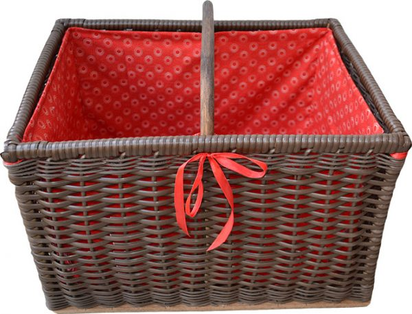 sugar_cane_picnic_basket_red_lining_open