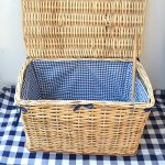 wicker_picnic_basket_lined_with_blanket_open