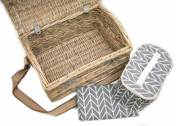 classic_picnic_basket