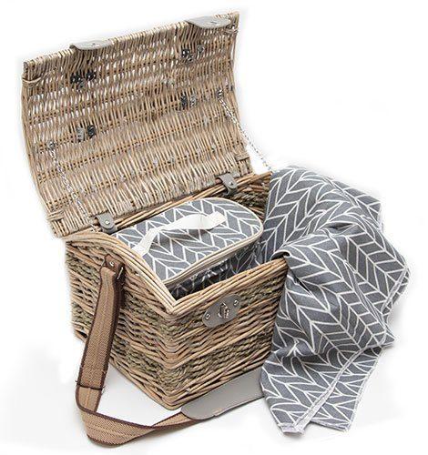 classic_picnic_basket3