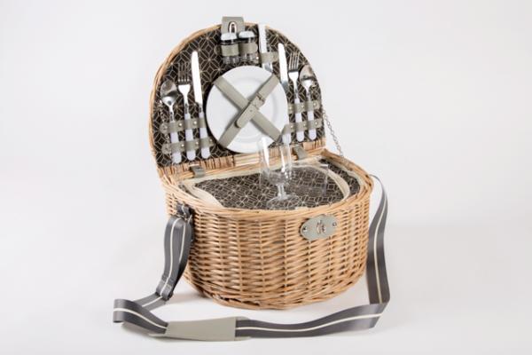 Moonlight_picnic_basket1